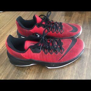 Men's Nike AirMax infuriate ll